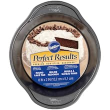 Wilton Perfect Results Round Cake Pan